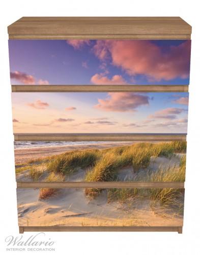 Möbelfolie Abendspaziergang am Strand - Sonnenuntergang über dem Meer – Bild 3