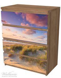 Möbelfolie Abendspaziergang am Strand - Sonnenuntergang über dem Meer – Bild 6