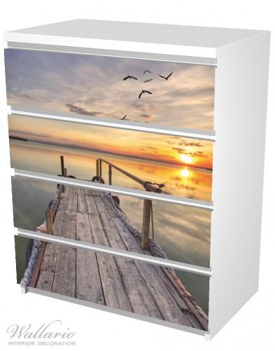 Möbelfolie Sonnenuntergang über dem See, idyllischer Steg – Bild 5