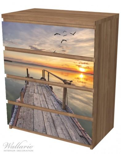 Möbelfolie Sonnenuntergang über dem See, idyllischer Steg – Bild 6