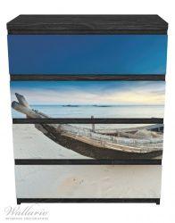 Möbelfolie Fischerboot am Strand mit Sonnenuntergang – Bild 1