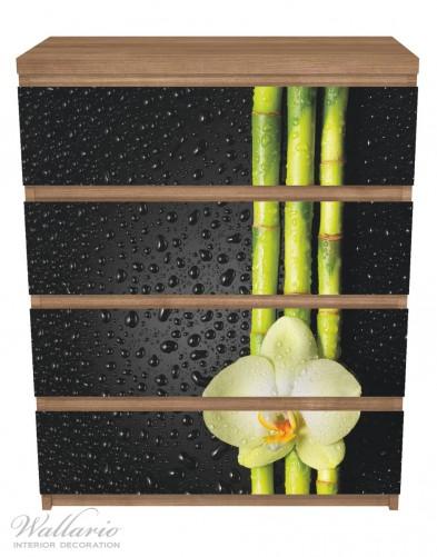 Möbelfolie Grüne Orchidee mit Bambus auf schwarz - Regentropfen – Bild 3