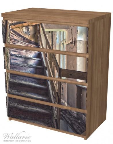 Möbelfolie Treppe in einem alten Haus – Bild 6