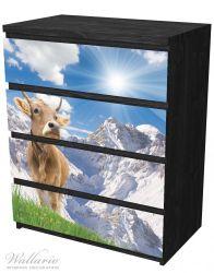 Möbelfolie Kuh im Sonnenschein in den Alpen – Bild 4