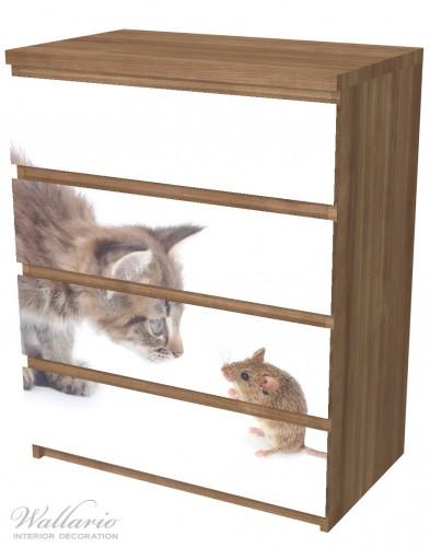 Möbelfolie Katze und Maus beim Spielen - weißer Hintergrund – Bild 6