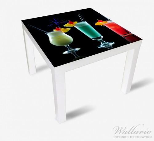 Möbelfolie Bunte Cocktails vor schwarzem Hintergrund – Bild 2