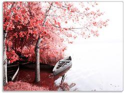 Glasunterlage Romantische Bootsanlegestelle in rot-weiß – Bild 1