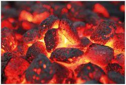 Vliestapete Glühende Kohlen im Kamin – Bild 1