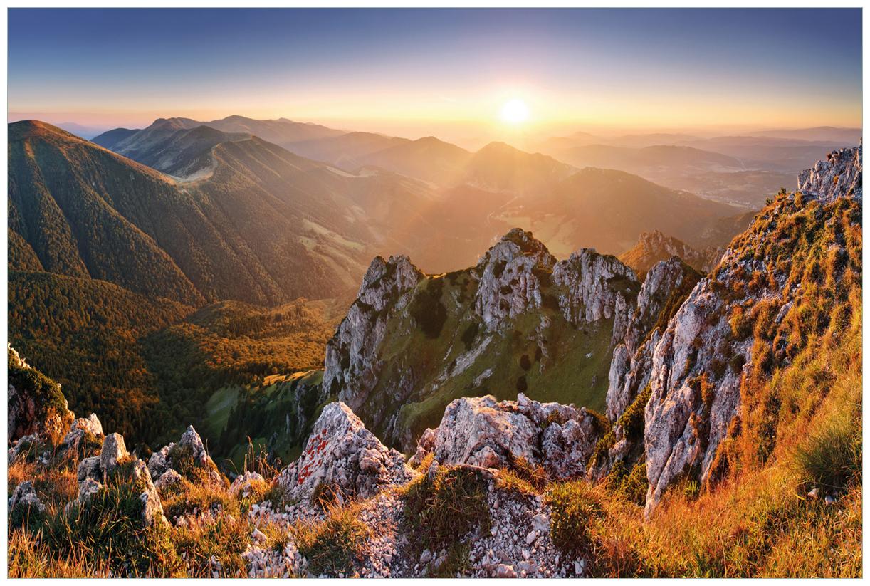 Vliestapete Berglandschaft mit Sonnenuntergang in der Slowakei – Bild 1