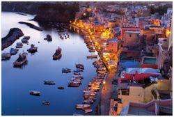 Vliestapete Hafen bei Nacht - Italien hell erleuchtet – Bild 1