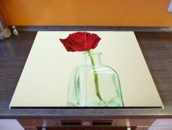 Herdabdeckplatte Rote Rose in Glasvase – Bild 2