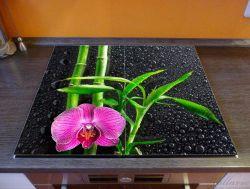 Herdabdeckplatte Bambus und pinke Orchidee auf schwarzem Glas mit Regentropfen – Bild 2