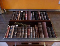 Herdabdeckplatte Bücherregal mit alten Büchern – Bild 2