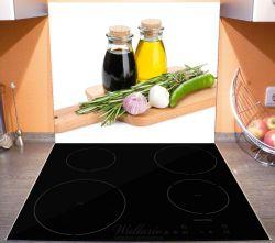 Herdabdeckplatte Gewürze, Kräuter und Öle auf einem Holz-Schneidebrett – Bild 3