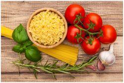 Vliestapete Spaghetti mit Tomaten, Knoblauch und Basilikum - Zutaten für ein italienisches Abendmahl – Bild 1