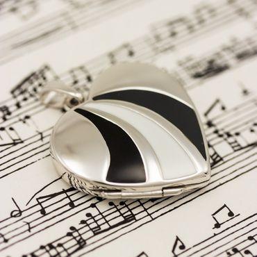 ASS 925 Silber Medaillon  Anhänger Foto Herz lackiert weiß/dunkelgrau/schwarz – Bild 3