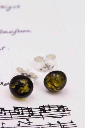 ASS Silber Damen Ohrstecker mit echtem braun-grünen Bernstein rundform 8 mm. NEU – Bild 3
