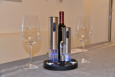 Electric wine bottle opener set – image 9