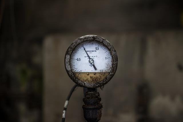 Altes, verrostetes Barometer