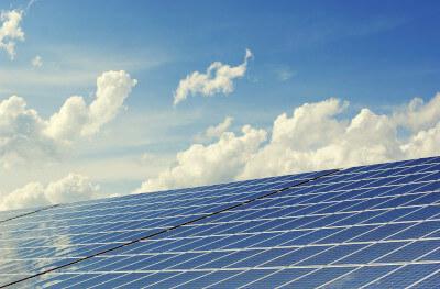 Solarthermie und Himmel