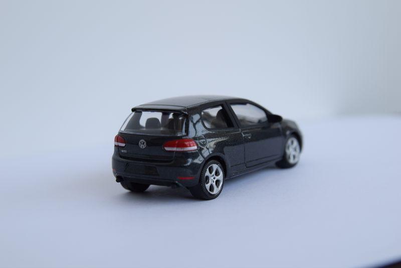 VW Golf 6 GTI Modellauto 1:55 Carbon Grau – Bild 2