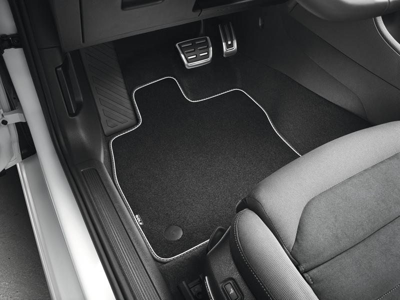 VW Golf 7 Fußmattensatz mit Schriftzug