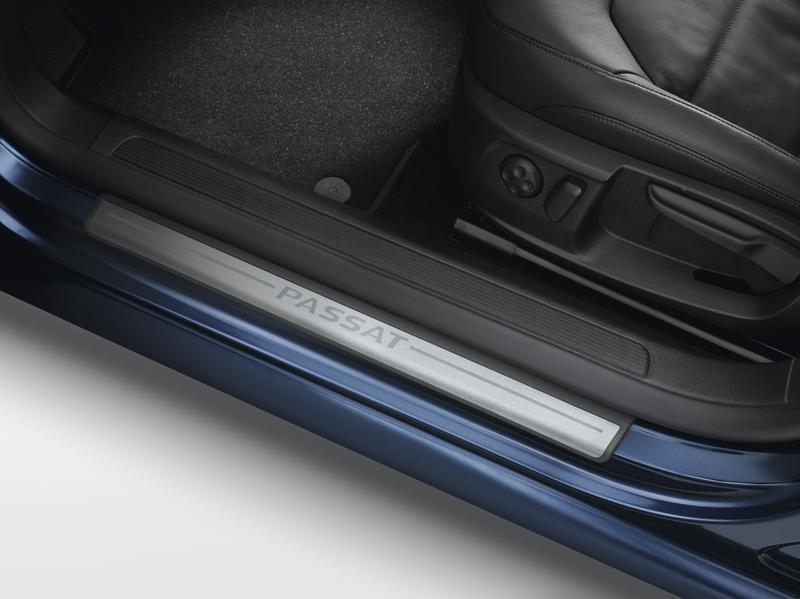 VW Passat Einstiegsleisten mit Schriftzug – Bild 1