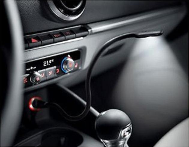 Audi original LED-Leselampe Schwanenhals für 12-Volt-Steckdose