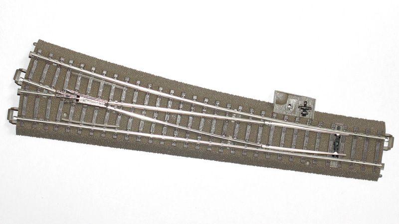 Trix H0 62712 C-Gleis Schlanke Weiche Rechts