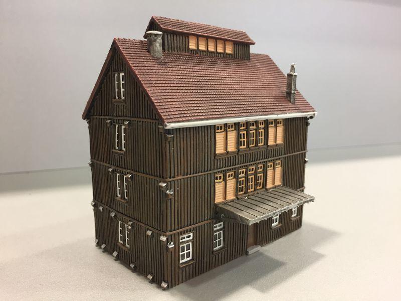 Hornby Spur N HC9004 Ländliches Lagerhaus Detailliertes Fertigmodell Neu