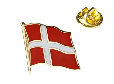 MADSea Flaggenpin Dänemark goldfarben Anstecknadel Pin  – Bild 1