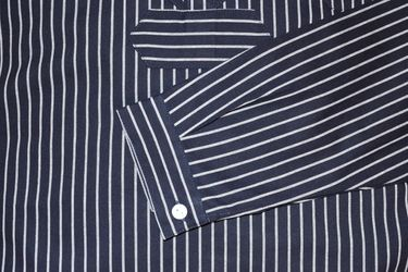 Modas Finkenwerder Fischerhemd BasicLine breit gestreift für Damen und Herren – Bild 5