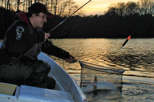 Angeln auf Hecht mit Köderfisch