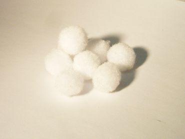 Pompons Bommeln Pompom Weiß 13 -15mm, 50 Stück #PP55746W