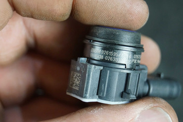 BMW F20 F21 F30 F31 F32 F33 F34F36 PDC Sensor Estorilblau Metallic B45 9261595 7 – Bild 3