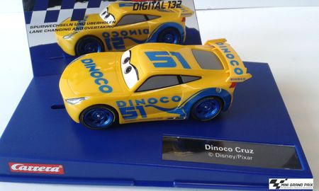 Carrera DIGITAL 132 Disney·Pixar Cars 3 - Dinoco Cruz 30807 – Bild 1