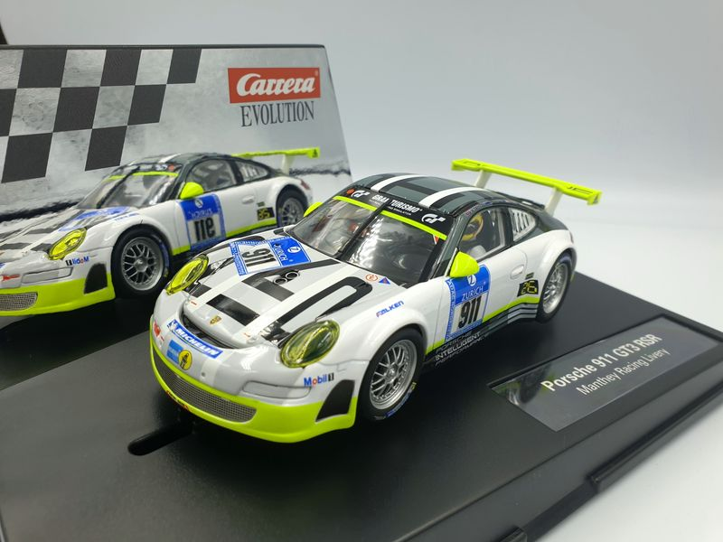 Carrera Evolution Porsche 911 GT3 RSR Manthey Racing Livery 27543 – Bild 2