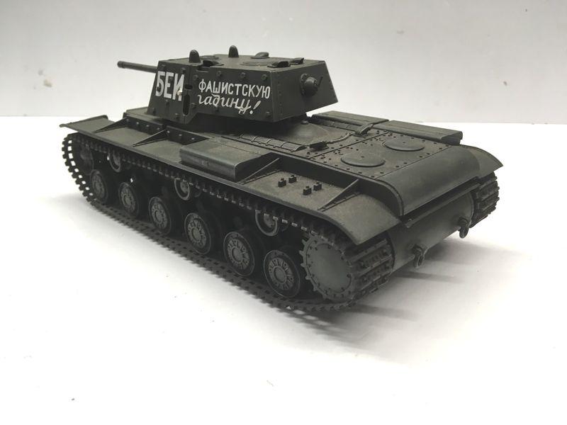 Tamiya 1:35 russischer Panzer KV-1B fertig gebaut 35142 – Bild 3