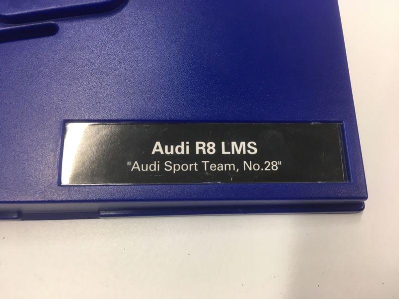 Carrera Leerbox Digital 132 mit Schraube für Audi R8 LMS 30769 – Bild 2