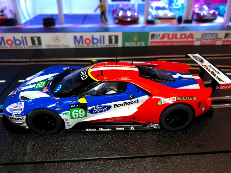 Scalextric 1:32 Ford GT-GTE #69 USA LeMans 2017 HD C3858 für Carrera Digital 132 – Bild 3
