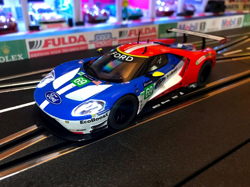 Scalextric 1:32 Ford GT-GTE #69 USA LeMans 2017 HD C3858 für Carrera Digital 132 – Bild 1