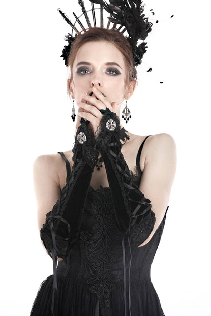 Dark In Love accessories
