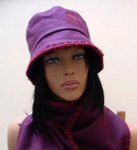 Mütze der Marke Only mod. FILT COMFORT HOOD AUTUMN mit Wolle Lila Wollmütze