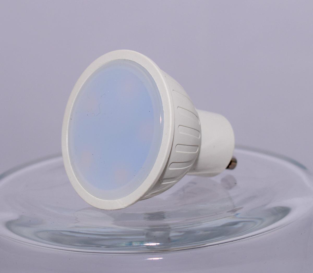 gu10 5 watt lampe leuchtmittel strahler spot mr16 400 lumen 3000k warmwei leuchtmittel gu10 led. Black Bedroom Furniture Sets. Home Design Ideas