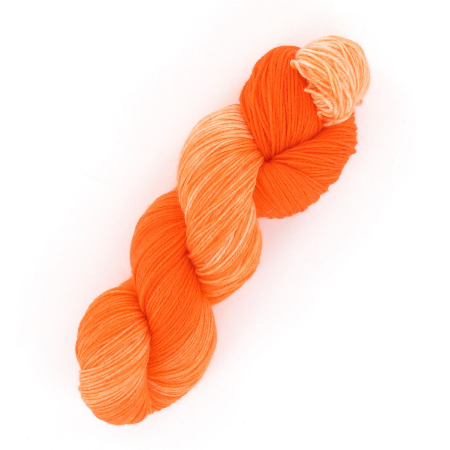 Handgefärbte MERINO  Sockenwolle 4 fach 100 g WILD THING Orange  087