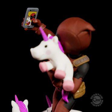 Deadpool Q-Fig Diorama: Wade Wilson aka Deadpool [Unicorn Selfie Version] – Bild 9