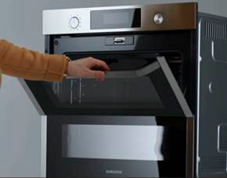 Samsung NV75R7676RB/EG Dual Cook Flex Einbaubackofen, 75 ℓ, A+*, Pyrolyse, Schwarz