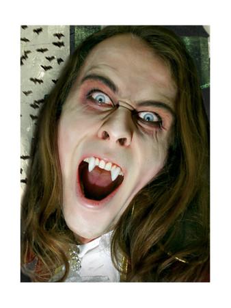 Vampirzähne Theaterqualität