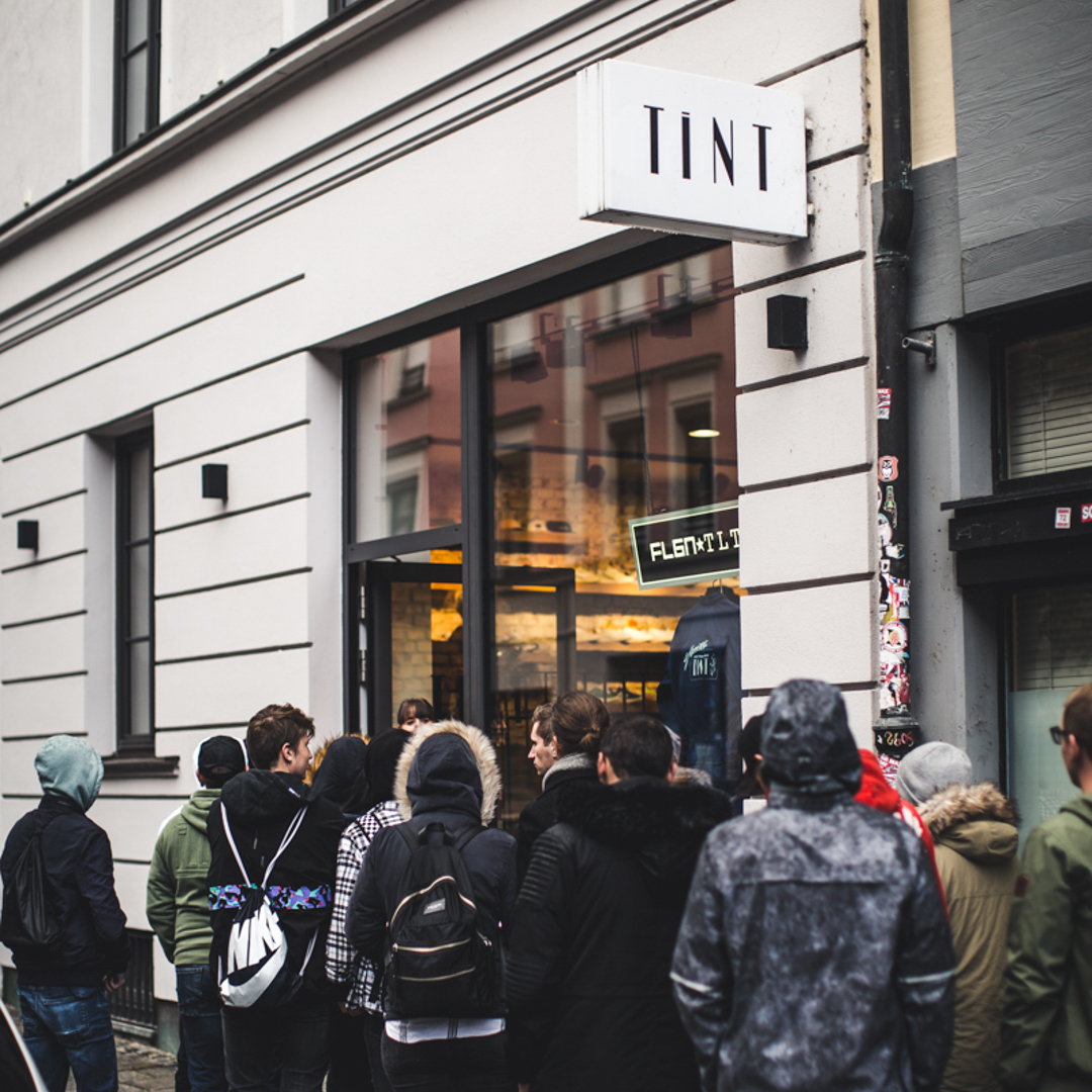 Flgntlt EQUAL PopUp Tint Store München