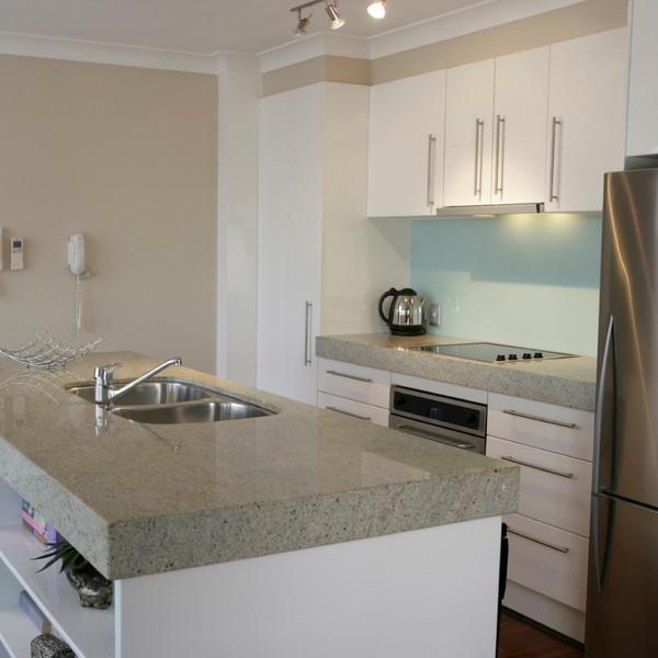 Kashmir White NEW Küchenarbeitsplatte Granulit Granit Platte poliert 60cm